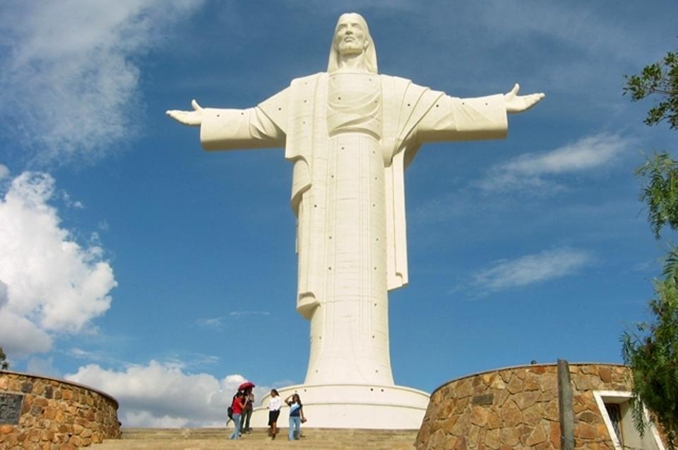 Estátuas de Cristo pelo mundo 5